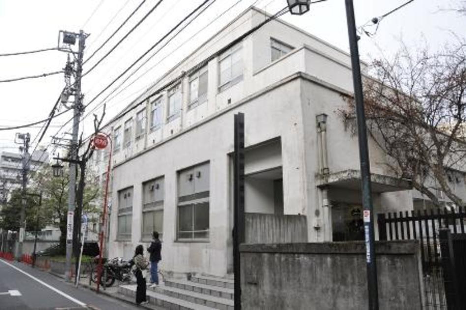 吉本興業の東京本部が入る建物=東京都新宿区 写真|【西日本スポーツ】