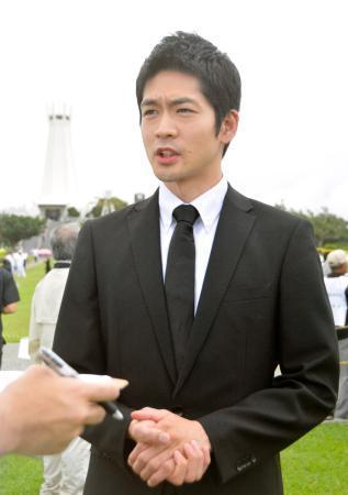 俳優松下洸平さん、追悼式典参列 【西日本新聞ニュース】