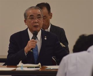 中村知事はダムの必要性を説明した