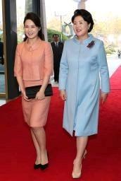 北朝鮮・正恩氏夫人が夕食会参加 「普通の国」印象付け|【西日本新聞 ...