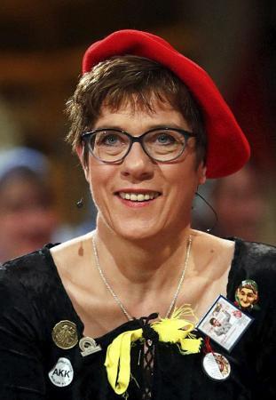 ドイツ・キリスト教民主同盟のクランプカレンバウアー党首(ロイター ...