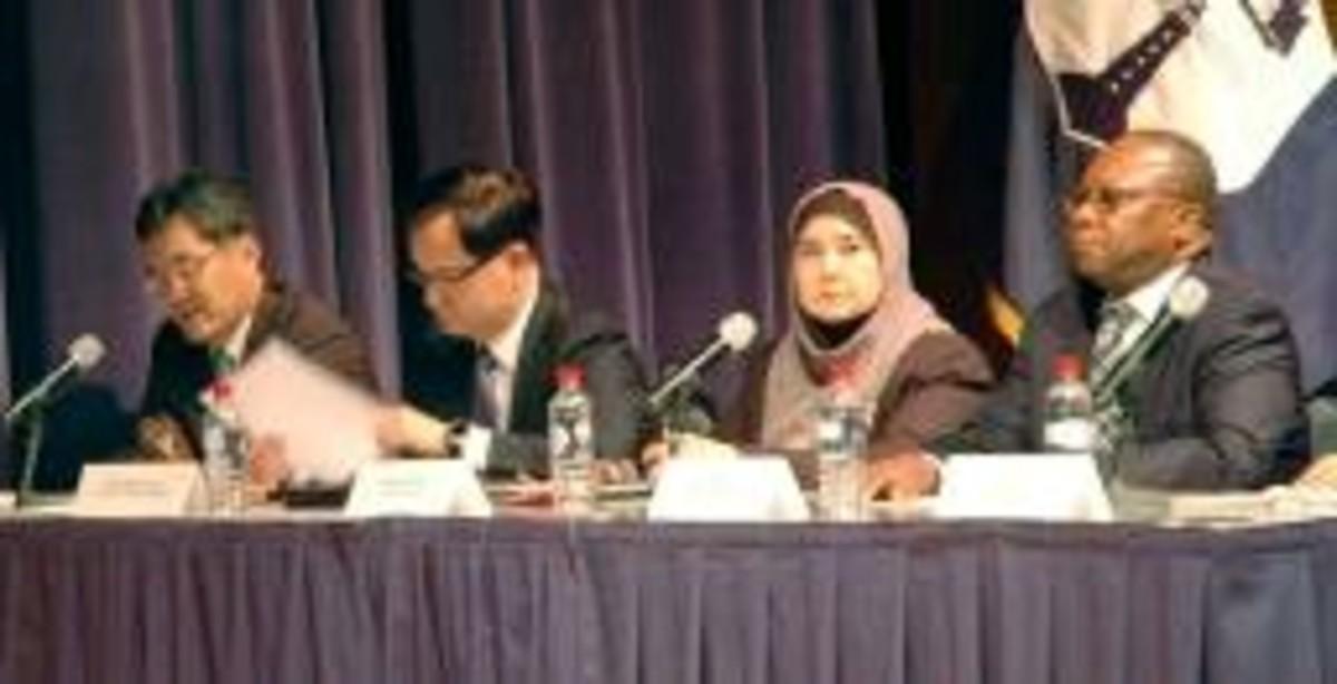 米商務省の公聴会で意見を述べる在米日本大使館の相川一俊特命全権公使 ...