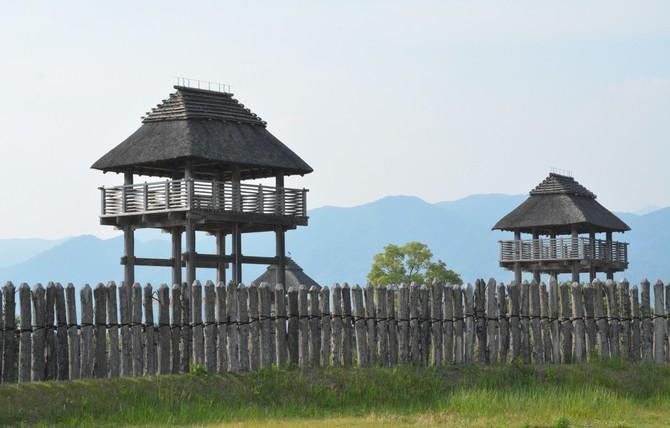 吉野ケ里遺跡の物見櫓(やぐら) 写真|【西日本新聞ニュース】