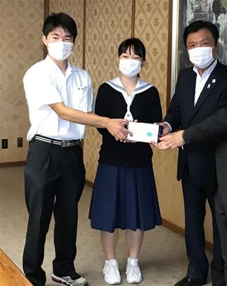 高校生の双子がマスク2万枚寄贈 ネットで寄付呼び掛け|【西日本新聞 ...