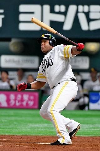 ソフトBデスパイネ、左膝痛欠場 コーチ「広島では出てもらう