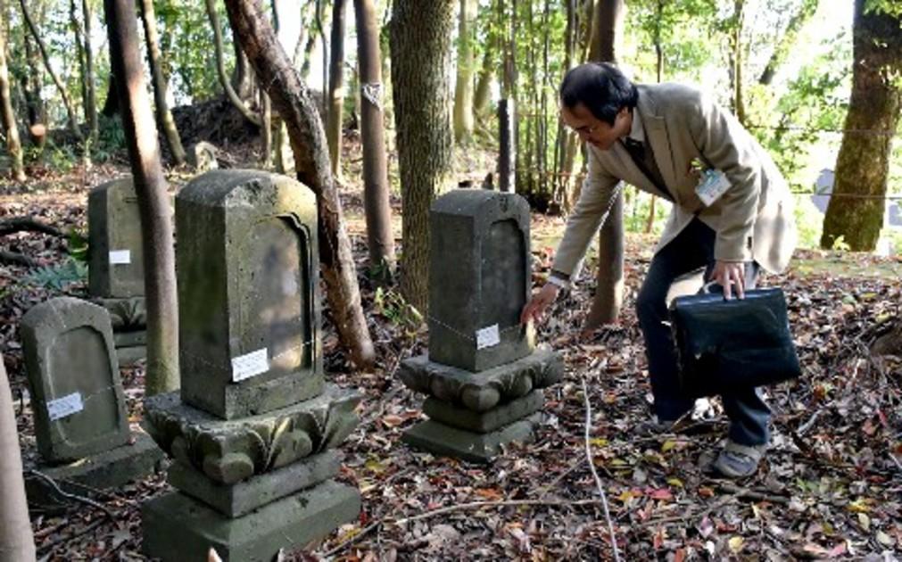無縁墓」に悩む自治体 公営墓地で増加、5割超えも|【西日本新聞 ...
