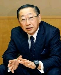 インタビューに答えるJR九州の青柳俊彦社長 写真|【西日本新聞 ...