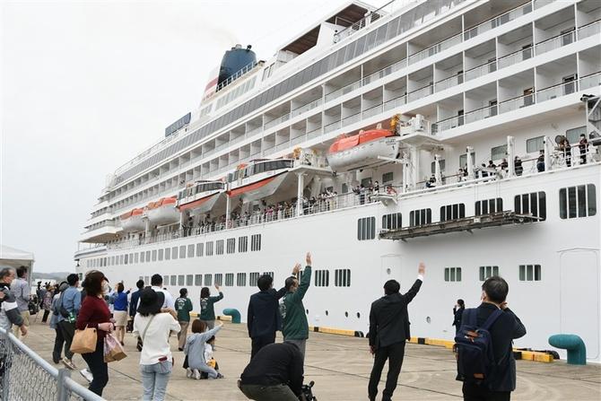 国内クルーズ船が佐世保を出港 昨秋以来の発着 船内にコロナ対策 ...